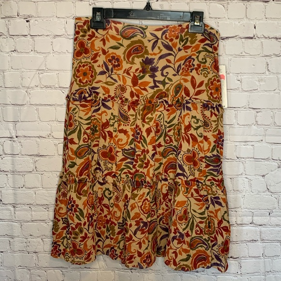 Lauren Ralph Lauren Dresses & Skirts - NWT Lauren Ralph Lauren Skirt size 10
